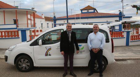 Câmara Municipal apoia Centro Social de Sta. Susana na aquisição de uma carrinha