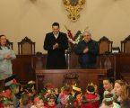 Elvas: Crianças cantaram os Reis nos Paços do Concelho