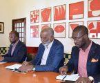 Delegação do MPLA recebida nos Paços do Concelho de Évora