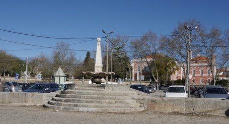 Empreitada de conservação e restauro de três chafarizes em Évora