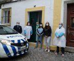 O Comando Distrital de Portalegre da PSP, através da Divisão Policial de Elvas à entrega de 5 cabazes de natal a idosos carenciados