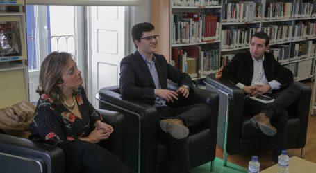 """Miguel Mesuras apresentou """"À procura da Medusa"""" na Biblioteca Municipal de Alcácer do Sal"""