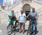 """Pedro Murcela, entregou as duas primeiras bicicletas eléctricas do projeto """"Rede de Bicicletas de Utilização Partilhada – Mochileiras"""""""