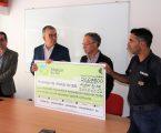 Presidente da Câmara Municipal de Alcácer do Sal entrega cheque de apoio a obras no Quartel dos Bombeiros do Torrão