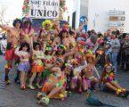 """Grupo carnavalesco """"Sou Filho Único"""" vai lanchar com crianças dos Cucos"""