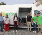 """Luis Óscar Frutas oferece fruta e material escolar às crianças dos """"Cucos"""""""